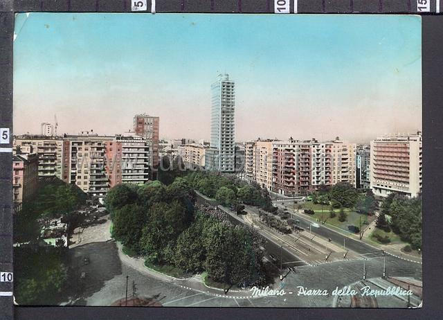 Piazza della repubblica cartoline postali for Sito della repubblica